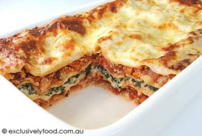 chicken and tomato sauce, spinach and ricotta mixture, and cheese ...
