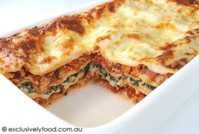 Exclusively food chicken lasagne recipe chicken lasagne recipe forumfinder Gallery