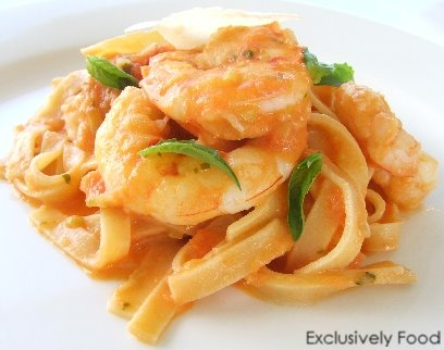 Pasta recipes with garlic prawns